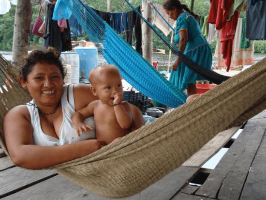Hangmat wordt al eeuwenlang gebruikt om hoog en droog te kunnen slapen