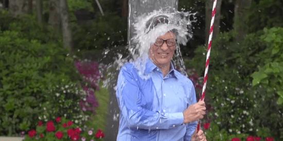 Zomerhype 2014 Ice Bucket Challenge, ook Bill Gates deed mee voor ALS