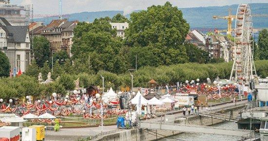 Reishangmatten van LASIESTA langs de Rijn tijdens record meeste mensen in een hangmat